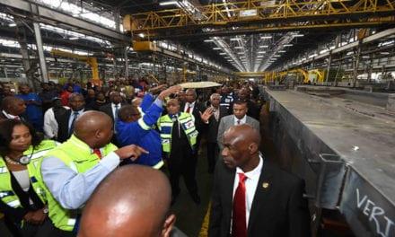 Zuma welcomes Transnet's new locomotives