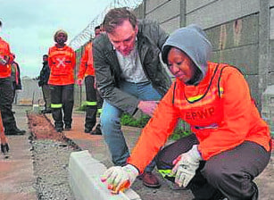All women team to repair Cape Town's roads
