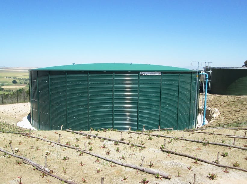 SBS Tanks: Water tank delivery