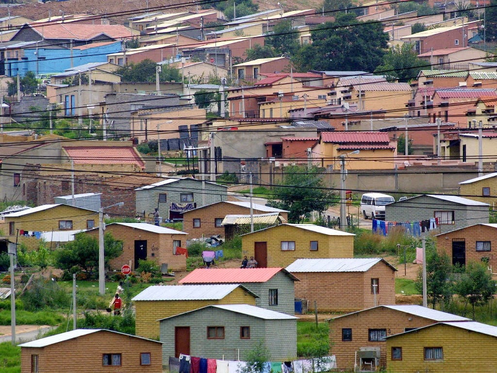 Ekurhuleni plans six mega housing projects for Houses projects