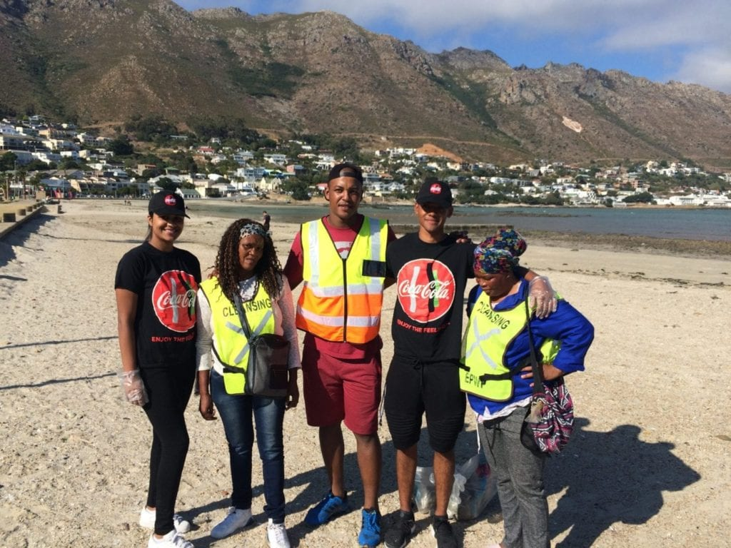 Coca-Cola Peninsula Beverages organised community beach clean-ups from Hermanus to Saldanha Bay over the Easter holidays.