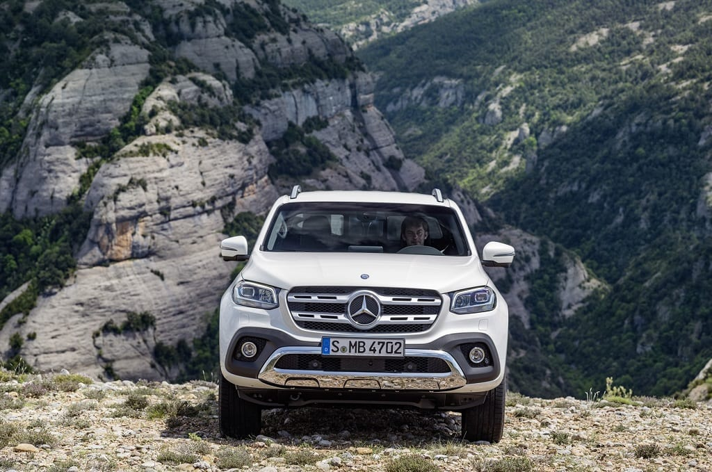 Mercedes benz launches its premium x class bakkie for Camioneta mercedes benz