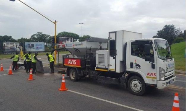 JRA tests new pothole repairing tech