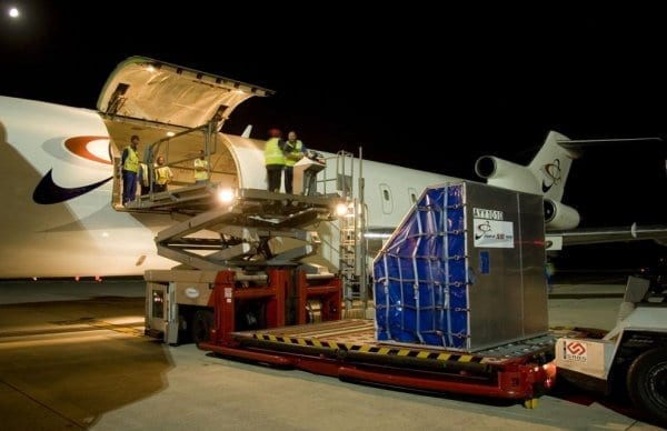 Air cargo volumes on knife-edge