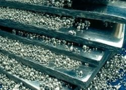 Zim platinum output up 43% in first quarter