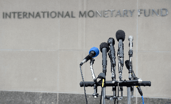 IMF decreases 2015 growth forecasts