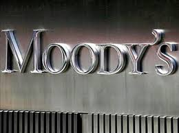 Moody's lowers outlook for banks to negative