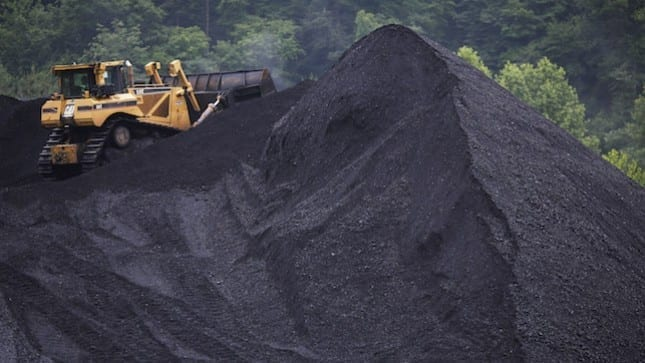 China's closing coal mines too slow to meet capacity-cut targets