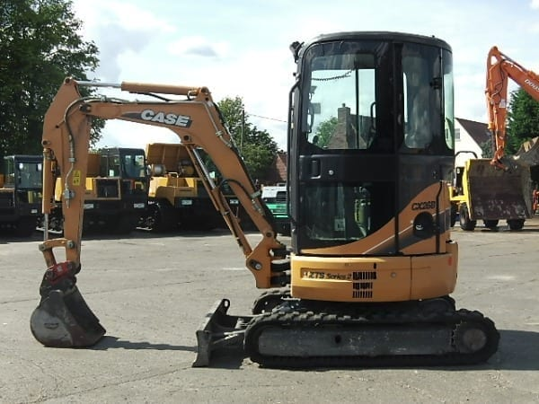 CASE announces mini-excavator relationship with Hyundai Heavy Industries