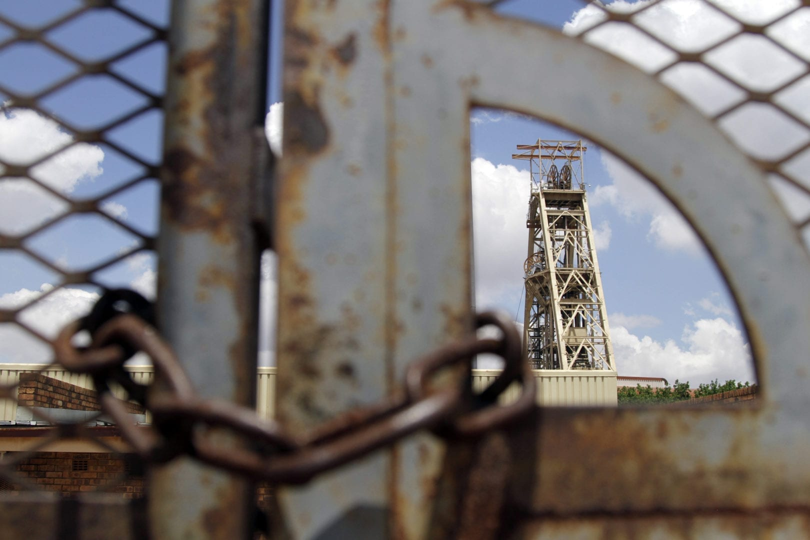 Abandoned SA mine a catastrophe says rights group