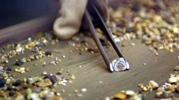 Zimbabwe pushing to stock mineral reserves to stimulate currency inflows