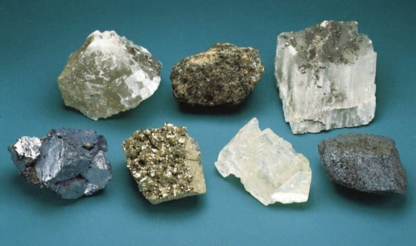 Nigerian state governor seeks investors for solid mineral sector