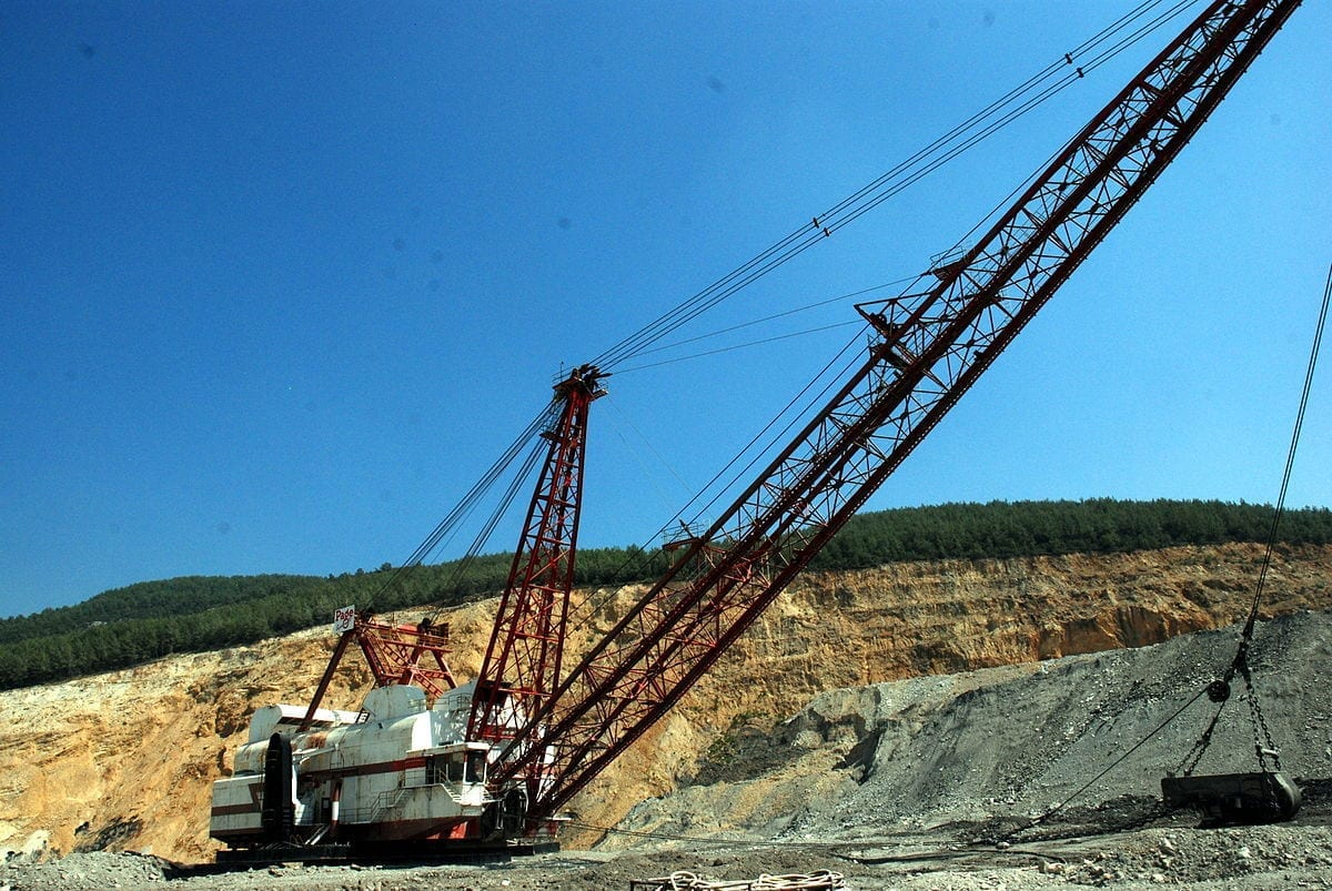 Upward swing forecast for surface mining equipment