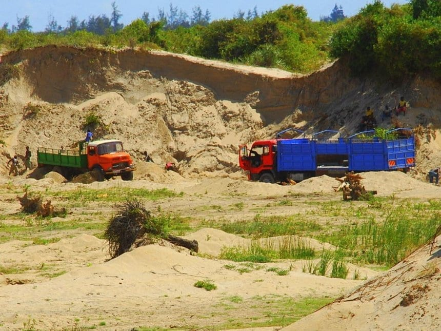 Taita Taveta lifts sand harvesting ban