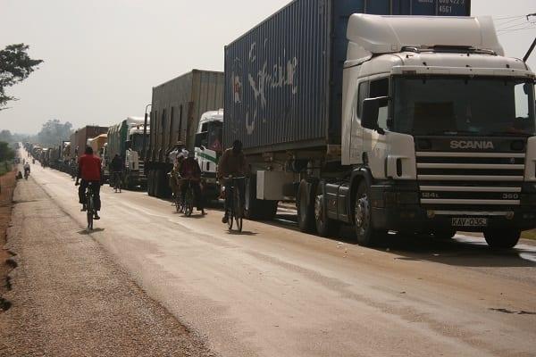 Uganda road image